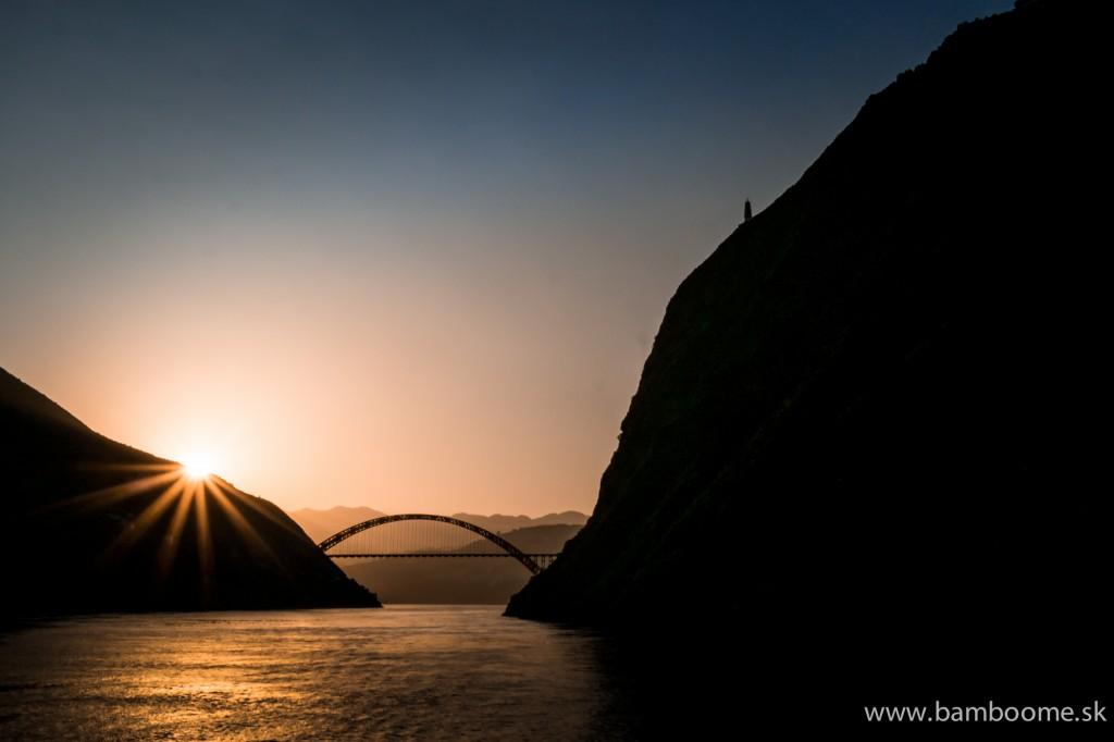 Západ slnka nad Dlhou riekou